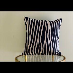 Pillow cover villa